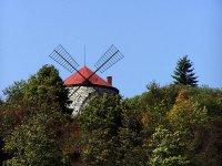 větrný mlýn ve Sloupu
